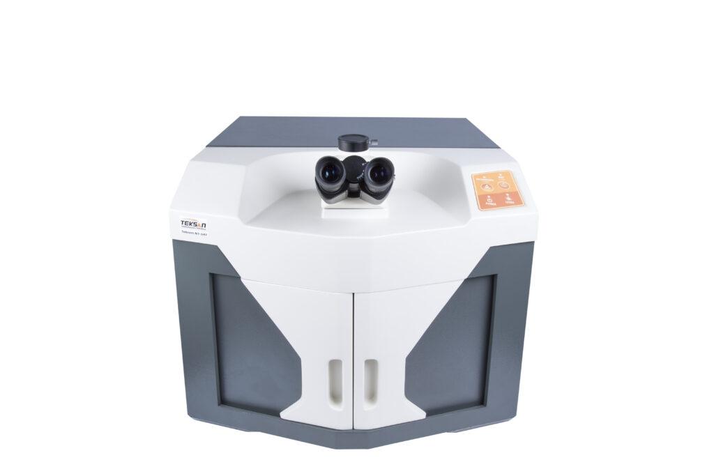 میکروسکوپ رامان دو لیزره